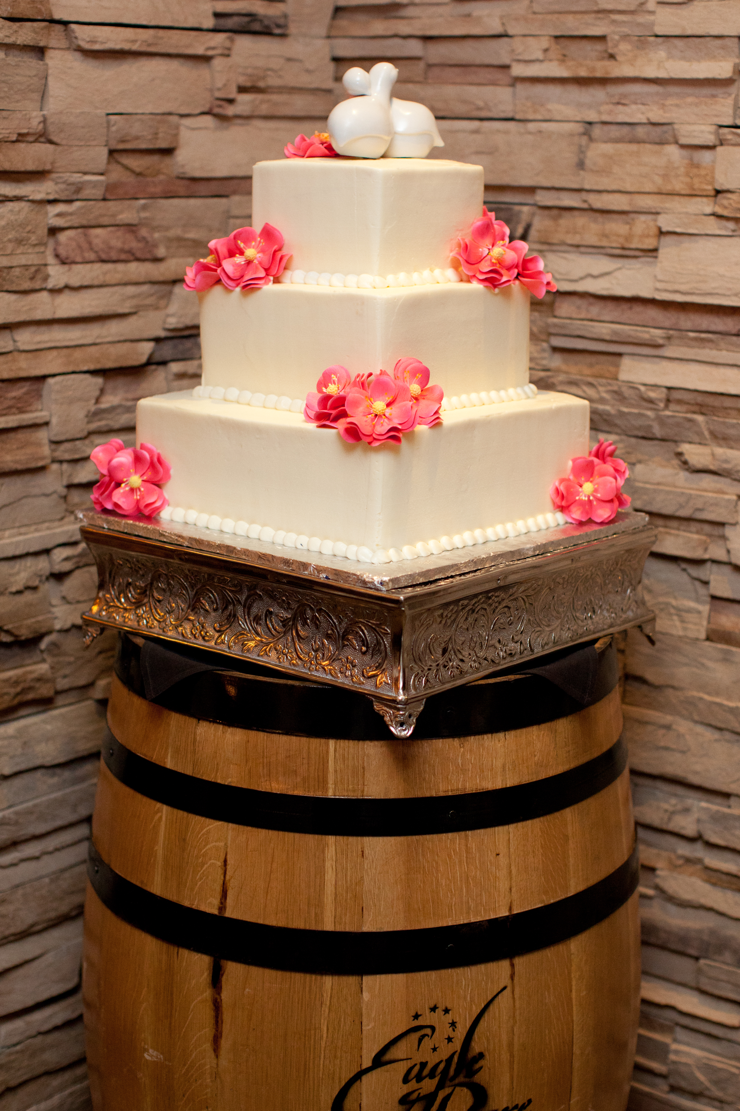 This Cake Comes From Ivys Fine Cakes In Canton My Very Good Friend Gets All Her There And Ivy Did Their Wedding Two Years Ago